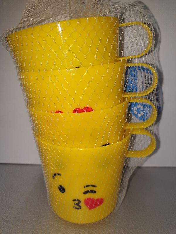 4 plastieken bekers met gezichtje ca250ml inhoud