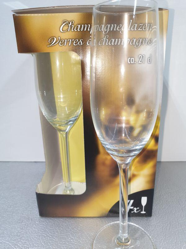 4 champagneglazen ca.21cl